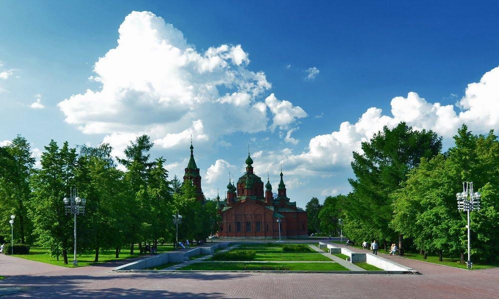 Алое поле в Челябинске