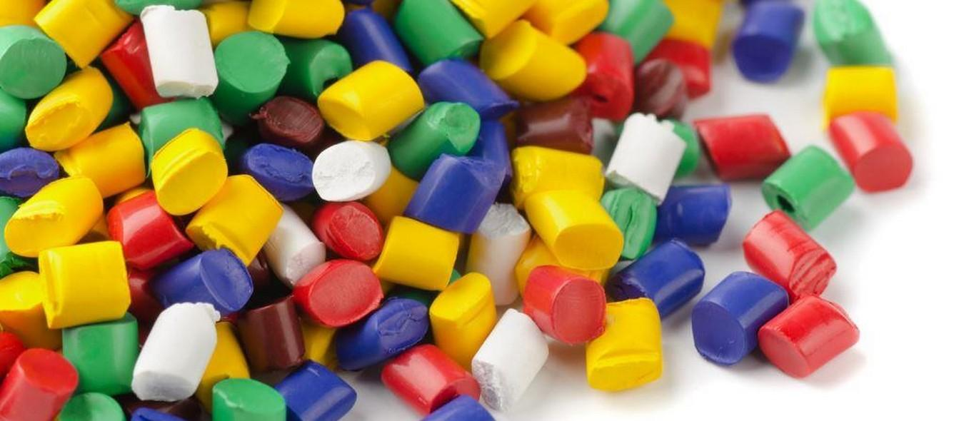 Изготовление пластиковых изделий литьем под давлением
