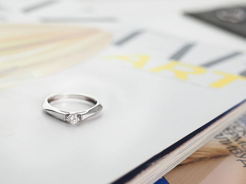 Как выбрать и на что обратить внимание при покупке кольца с бриллиантом