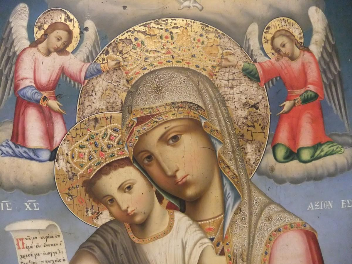 Как отличить старинную икону и узнать ее ценность?