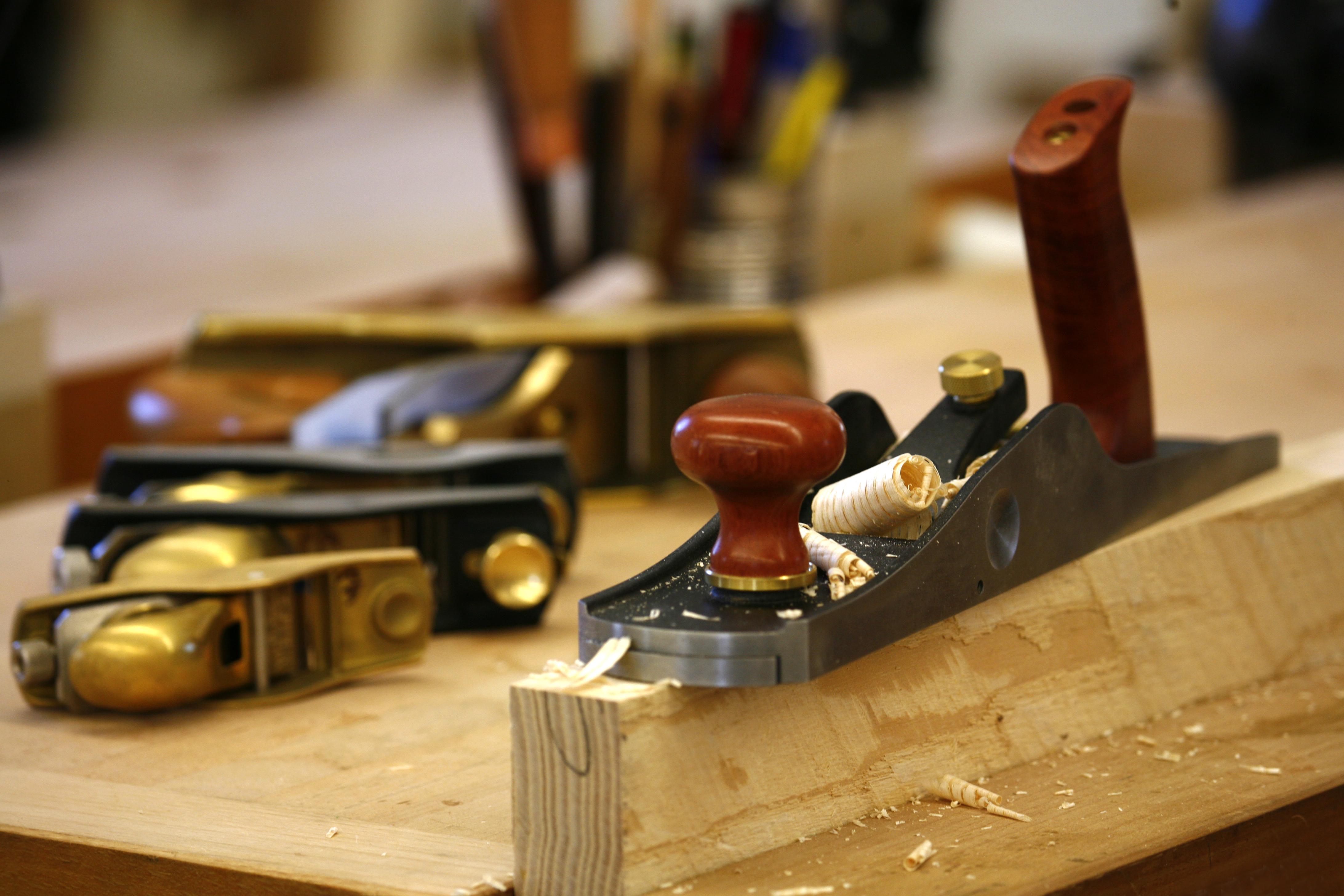 Производственная мебель: виды и особенности