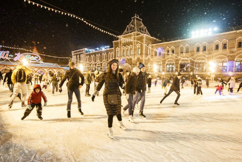 Где покататься на коньках этой зимой: бесплатные и платные катки Москвы