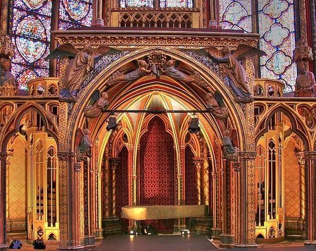 Выставка готических предметов 13 века пройдет в Кремле