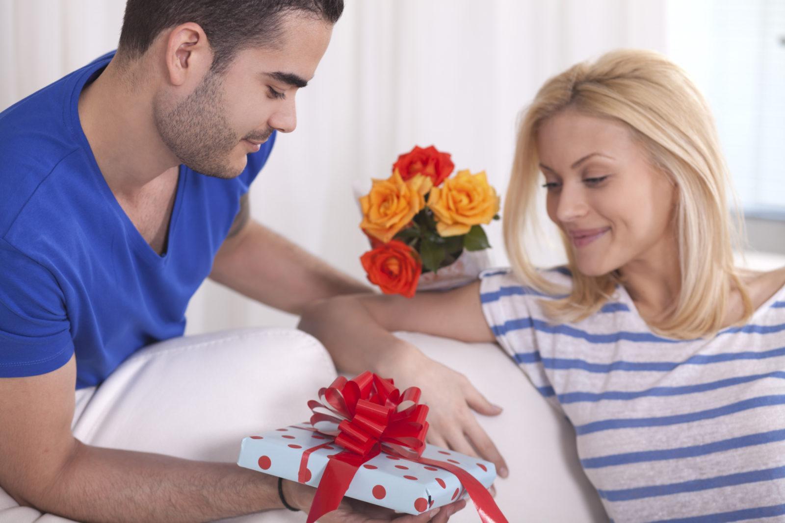 Идеи необычных подарков для женщин