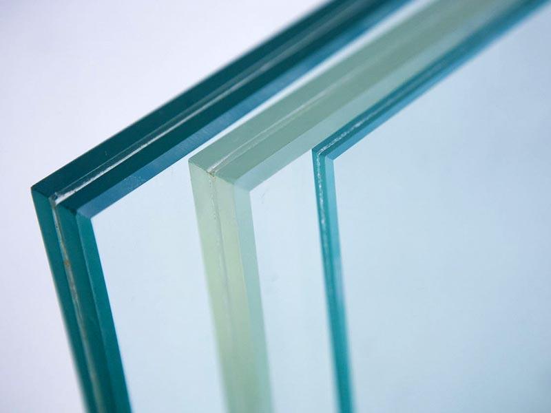 Листовое стекло: что это такое и где применяется
