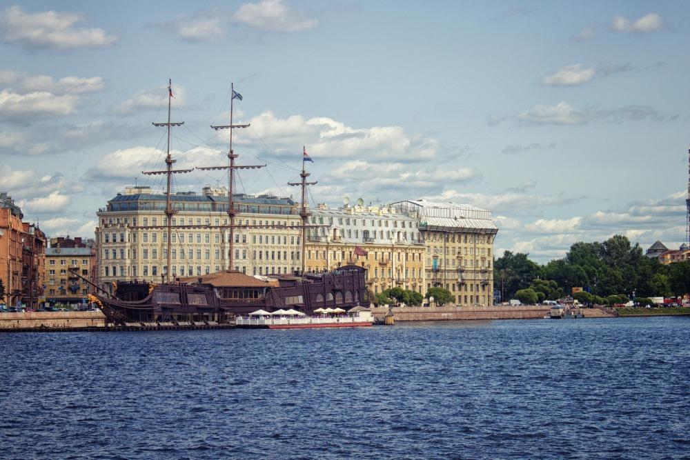 Речные прогулки в Санкт-Петербурге