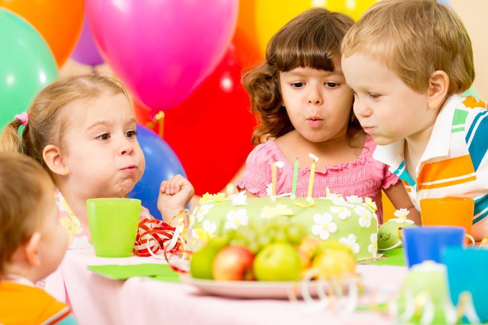 Как отметить день рождения ребенка?