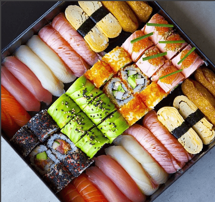 Картинки по запросу Заказать суши на дом   преимущества