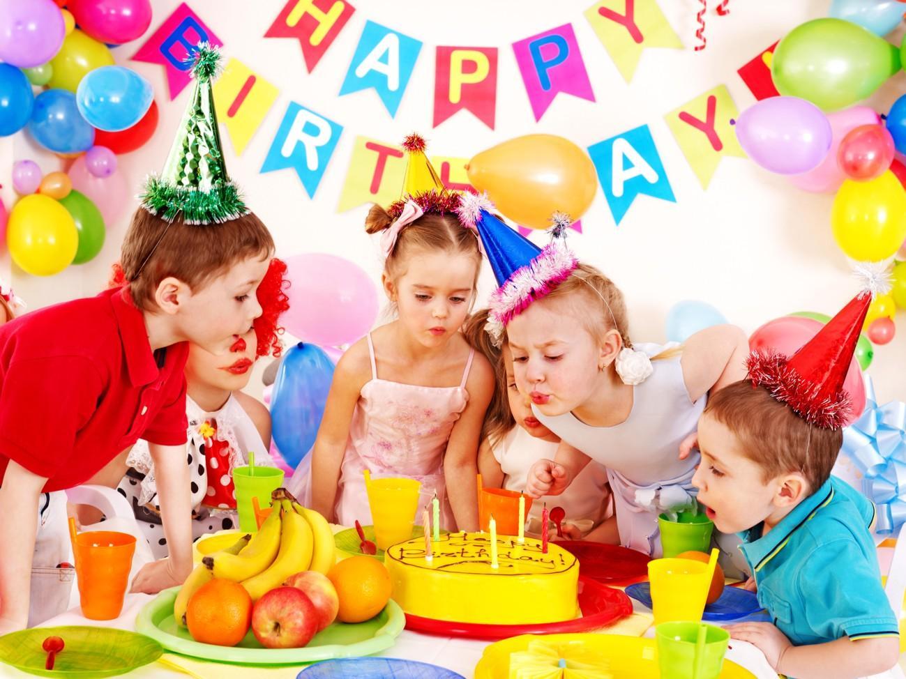 Празднование дня рождения ребенка в детском кафе