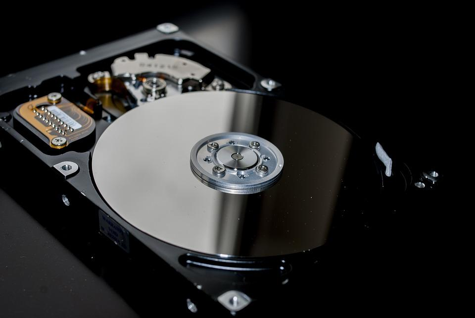 Программы по восстановлению устройств уничтожают данные. НОУТ-911 – выход есть