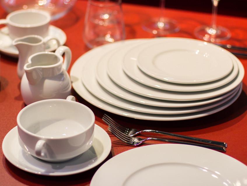 Гастроемкости и другая посуда для кафе: классификация и свойства