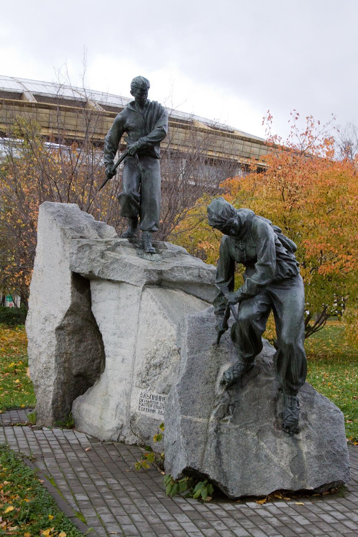 Олимпийский мишка и памятник Льву Яшину: главные достопримечательности «Лужников»